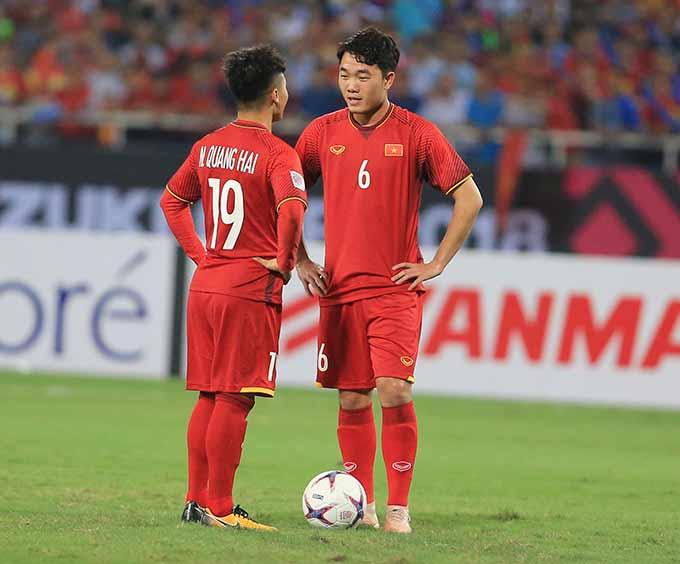Bóng đá Việt Nam cần có sự tiếp nối các thế hệ trẻ tốt - Ảnh: Đức Cường