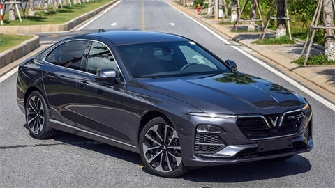 VinFast Lux giảm giá sốc, đe dọa cả Mazda 3, Honda Civic