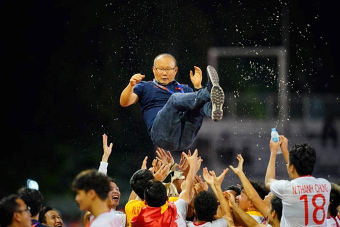 HLV Park Hang Seo giúp Việt Nam thắng đẹp Indonesia ở chung kết SEA Games 2019