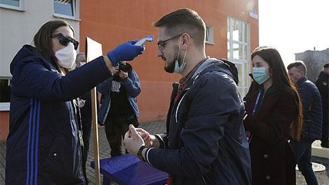 Giải VĐQG duy nhất ở châu Âu vẫn đá trong dịch Covid-19 cuối cùng cũng bị hoãn