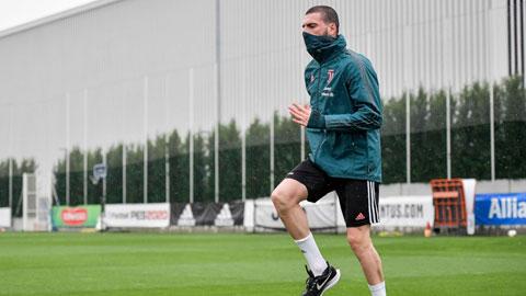 Demiral trở lại tập luyện cùng Juventus