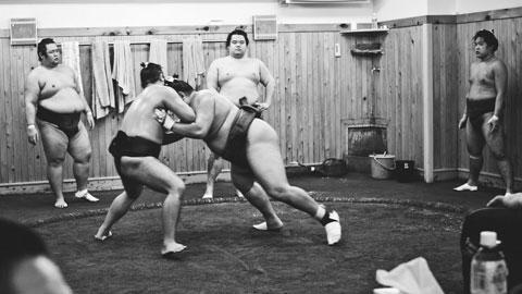 Bạo lực & tội ác,những góc khuất của sumo