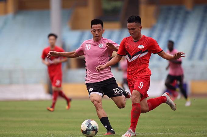 Sự có mặt của HLV Park Hang Seo cùng bộ sậu ở ĐTQG và GĐKT Gede được xem là động lực để các cầu thủ Hà Nội và Viettel nhập cuộc trận đấu tập chiều ngày 16/5 đầy hưng phấn
