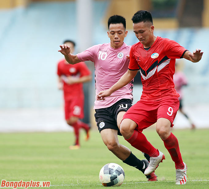 Văn Quyết có cơ hội ghi điểm với HLV Park Hang Seo. Anh thi đấu nhiệt tình, năng nổ trong thời gian có mặt trên sân