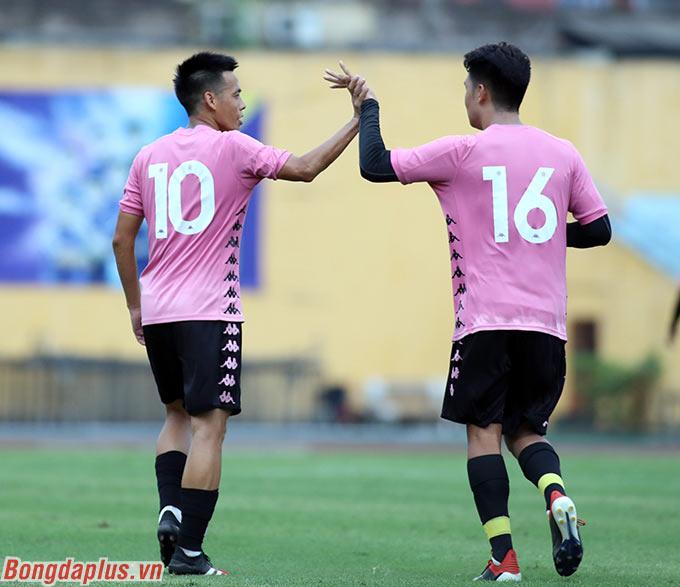"""""""Gà son"""" của Hà Nội FC và đội tuyển trẻ Việt Nam tiếp tục chơi tốt trong thời gian gần đây"""