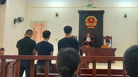 CĐV Nam Định đốt pháo sáng bị phạt tù 2 năm