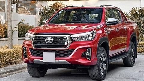 Toyota Hilux bất ngờ vượt Mazda BT-50, Triton giá rẻ 'đe nẹt' Ford Ranger
