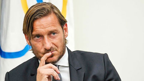 Totti từng suýt gia nhập… Lazio
