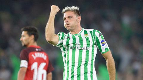 Joaquin giờ là 'ông nội' của La Liga