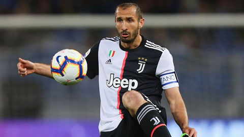Chi tiền tấn mua De Ligt, Juve vẫn nhớ Chiellini