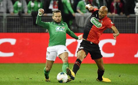 Dù đã 34 tuổi, nhưng Yohan Cabaye (trái) vẫn thi đấu nỗ lực trong màu áo St.Etienne và chưa muốn treo giày