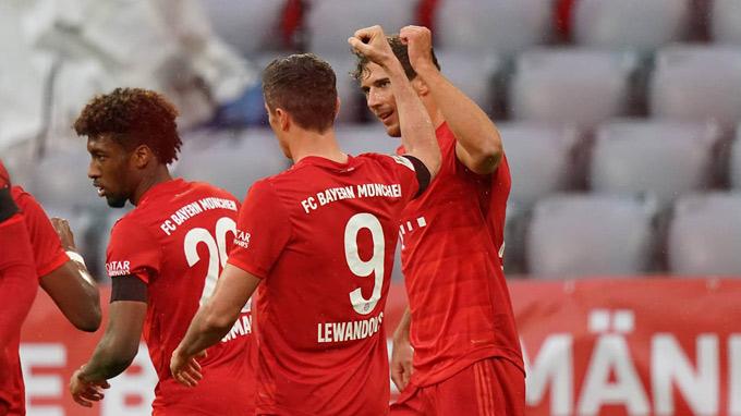 Bayern có chiến thắng tưng bừng để củng cố ngôi đầu