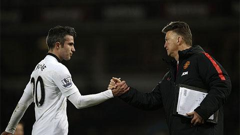 Van Persie kể từng bị Van Gaal cho ăn tát, xếp Wenger sau Sir Alex