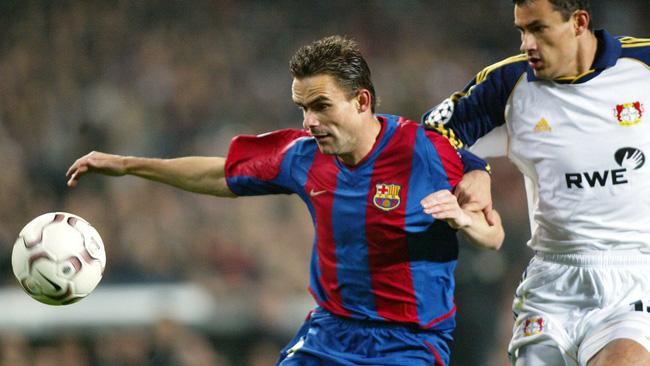 Overmars không giữ được tốc độ thần thánh của mình ở Camp Nou