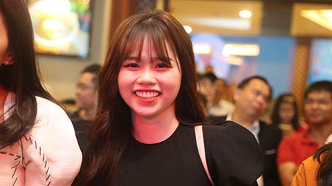 Cận cảnh nhan sắc bạn gái mới của Quang Hải