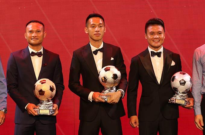 Đáng tiếc là Quang Hải không thể có lần thứ 2 giành Quả bóng Vàng. Hùng Dũng đã trở thành chủ nhân của danh hiệu này vào năm nay.