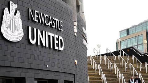Thương vụ đổi chủ của Newcastle nguy cơ đổ bể
