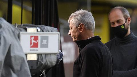 Lộ bằng chứng HLV Favre khó trụ lại Dortmund sau trận thua Bayern