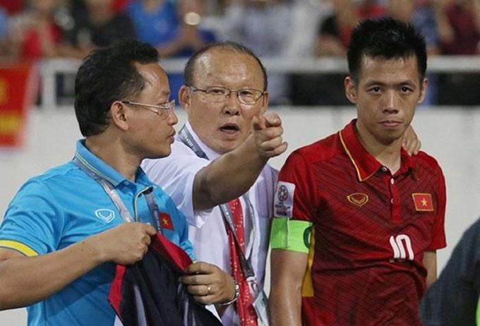 Văn Quyết và HLV Park Hang Seo đáng tiếc không tìm được tiếng nói chung về triết lý bóng đá
