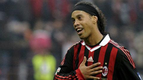 Ronaldinho từng nài nỉ đối phương đừng đánh mình nữa