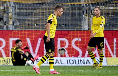 Dortmund chỉ là kẻ yếu bóng vía trước Bayern
