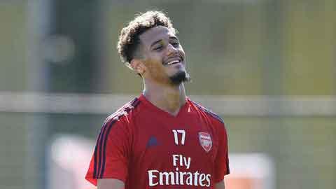 Saliba chưa thể sang Arsenal vì vướng ma chay