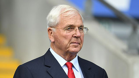 Arsenal chia tay sếp lớn sau 15 năm