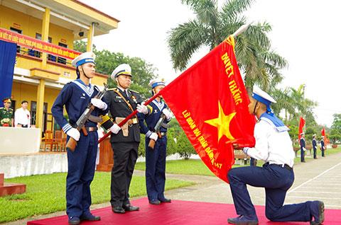 Các đồng chí chiến sỹ mới tuyên thệ