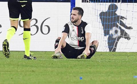Barca không thể đổi một cầu thủ 23 tuổi lấy Pjanic, người đã 30 tuổi và nhận lương cao hơn gấp đôi Arthur