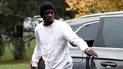 'Bom xịt' của Barca được Leicester chìa tay cứu vớt