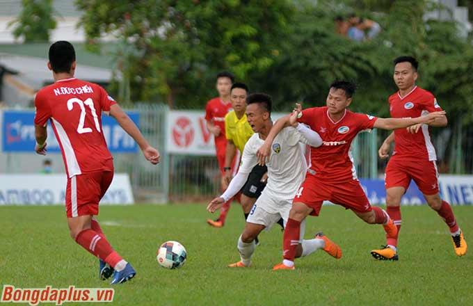 8 phút sau, Quang Khải nâng tỷ số lên 2-0 cho Viettel