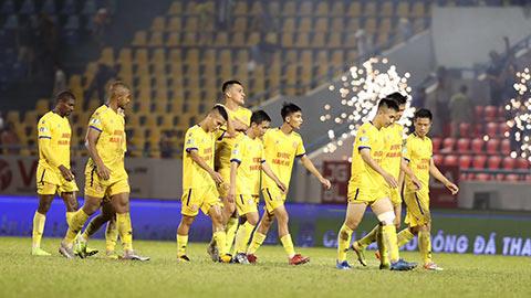 HLV Nam Định không buồn dù đội nhà bị loại ở Cúp QG