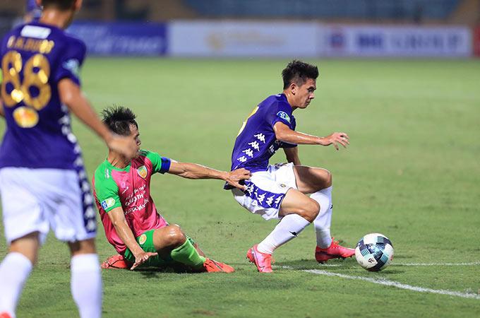 Đội bóng Thủ đô tiếp tục chơi áp đảo và ghi thêm 2 bàn thắng nữa