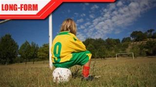 Trẻ em không được… chơi bóng đá