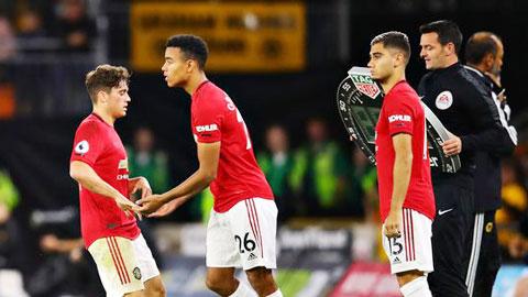 Premier League đề xuất thay 9 người: Cuộc chiến về chiều sâu lực lượng