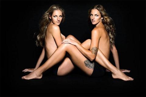 Cặp song sinh Karolina Pliskova và Christina Pliskova từng chụp ảnh bán nude