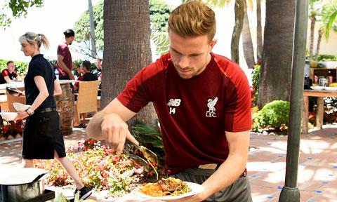 Các cầu thủ tại Premier League đã phải điều chỉnh cách thức ăn uống để không bị tăng cân trong thời gian cách ly