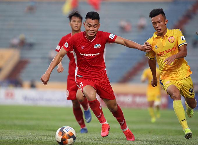 Nam Định nỗ lực vùng lên sau bàn thua từ sớm...