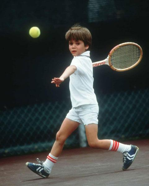 Agassi bị cha mẹ ép tập quần vợt từ nhỏ