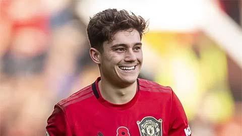M.U gia hạn rồi cho mượn James, mở đường cho Sancho