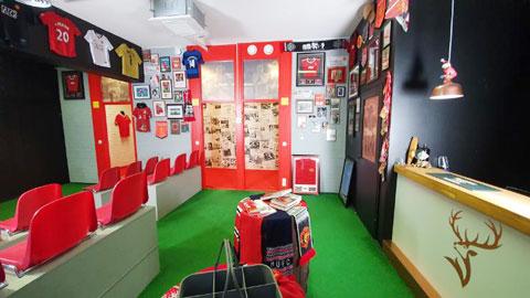Những góc trưng bày trong The Red Room