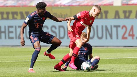 Pha đi bóng qua các cựu binh dạn dày của Bayern rồi ghi bàn cho Leverkusen của Wirtz (giữa) đưa anh vào lịch sử của Bundesliga