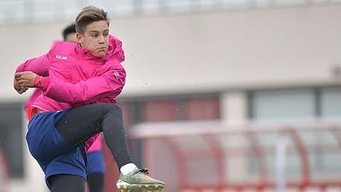 Luzzi đã lọt vào mắt xanh của Barca