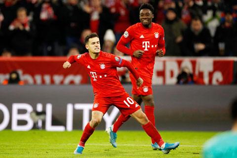 Coutinho (số 10) đang khoác áo Bayern dưới dạng cho mượn từ Barca