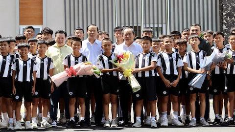 Lãnh đạo VFF thăm học viện Juventus Việt Nam
