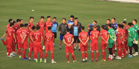 HLV Park Hang Seo sẽ có thêm nhiều lựa chọn nhân sự để làm mới ĐT Việt Nam  Ảnh: ĐỨC CƯỜNG