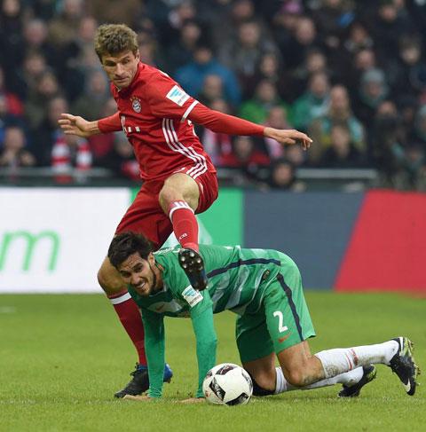 Bayern của Mueller (trên) sẽ bước qua vật cản cuối cùng để đăng quang chức vô địch