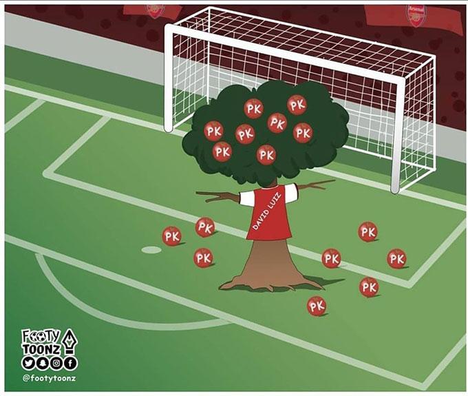 David Luiz chẳng khác gì cây thần rụng quả...penalty. Muốn ăn pen, cứ cây Luiz mà hái quả.