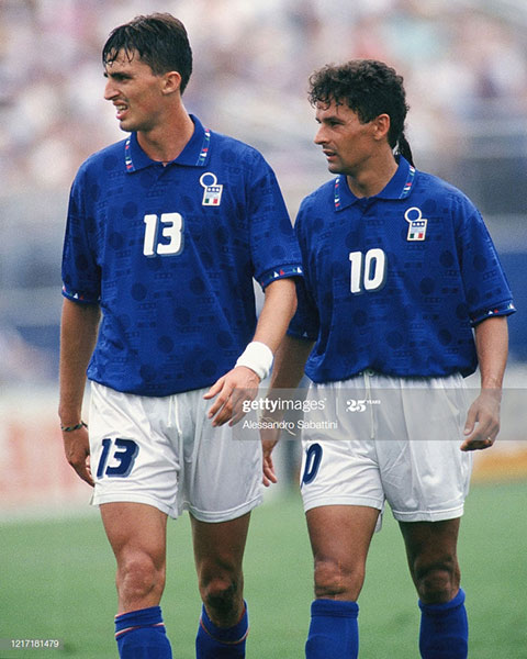 Dino Baggio (trái) và Roberto Baggio kỳ thực không dây mơ rễ má gì với nhau
