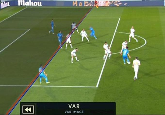 VAR từ chối bàn thắng của các cầu thủ Valencia